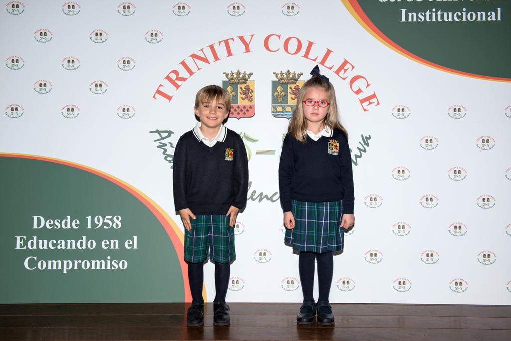 uniforme-TRINITY COLLEGE